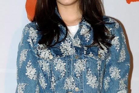 Park Shin Hye Poses on Red Carpet for KMovie