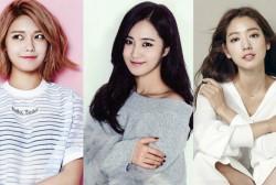 Girls' Generation members Sooyoung and Yuri will graduate alongside Park Shin Hye on February 15.