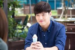Kang Ha Neul tackles love through social media in 'Like for Likes.'