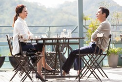 Lee Mi Yeon and Yoo Ah In fight like cats and dogs, while secretly liking one another.