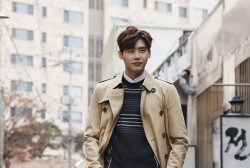 Lee Jong Suk takes on Korea in his Burberry trench coat.