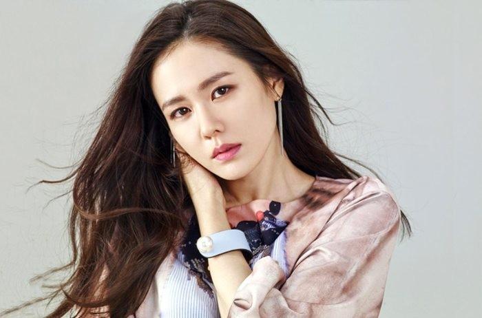 Son Ye Jin - Korean Actors and Actresses Photo (28512083