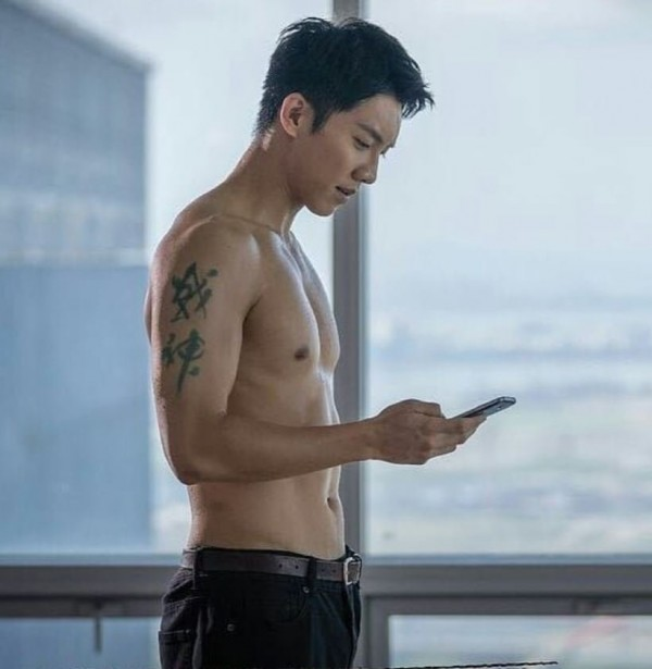 5 Hottest and Sexiest Korean Actors and Their Secrets to