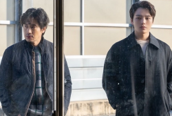 Jin Goo and Shin Ha Kyun's Relationship Starts to Change in Upcoming Episode for 'Beyond Evil'