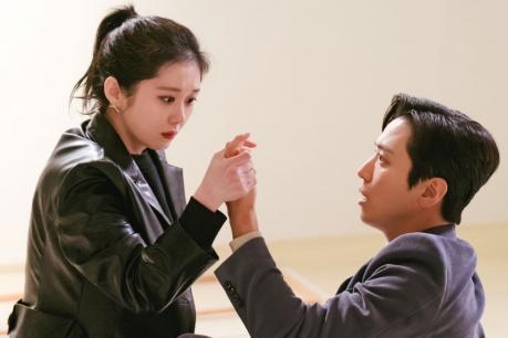 Jang Na Ra and Jung Yong Hwa