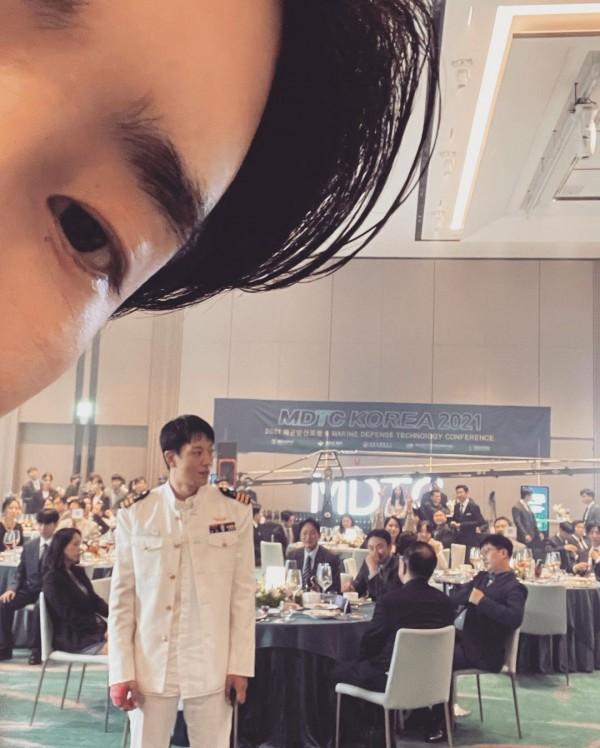 Lee Jong Suk and Kim Rae Won