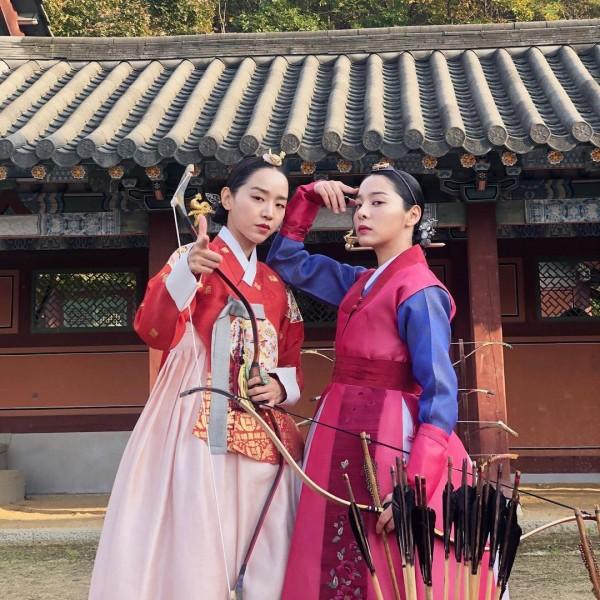 Seol In Ah and Shin Hye Sun