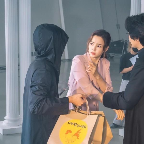 One the Woman - Lee Honey, Jin Seon Gyu, Kim Nam Gil