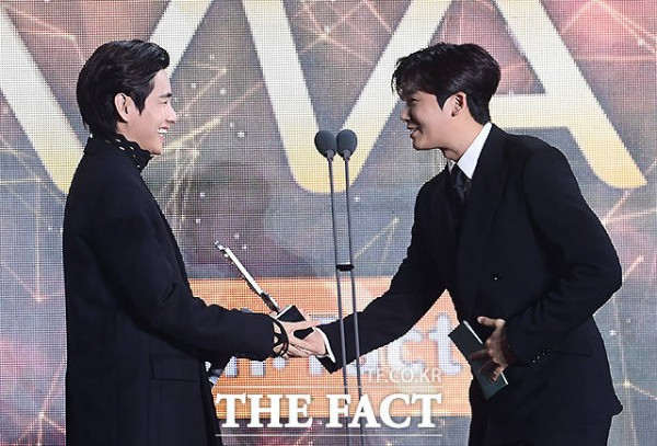Park Hyung Sik and BTS V - 2021 TMA