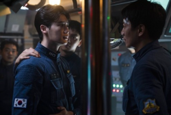 'Decibel' Starring Lee Jong Suk, Kim Rae and Cha Eun Woo Drops First Stills + Movie Receives Explosive Investment to Film Industry