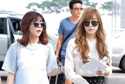 Girls Generation[SNSD] Sunny and Tiffany