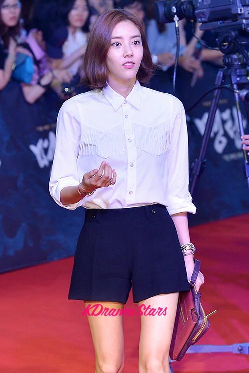 Son Dam Bi, Ock Joo Hyun, Jung Ga Eun and Chae Yeon on the ...