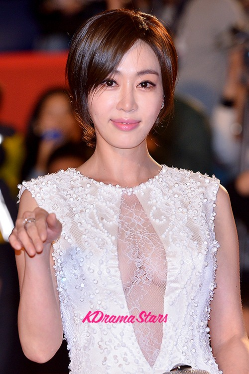 Kang Ye Won, Go Ah Sung and Goo Hye Sun on the Red Carpet